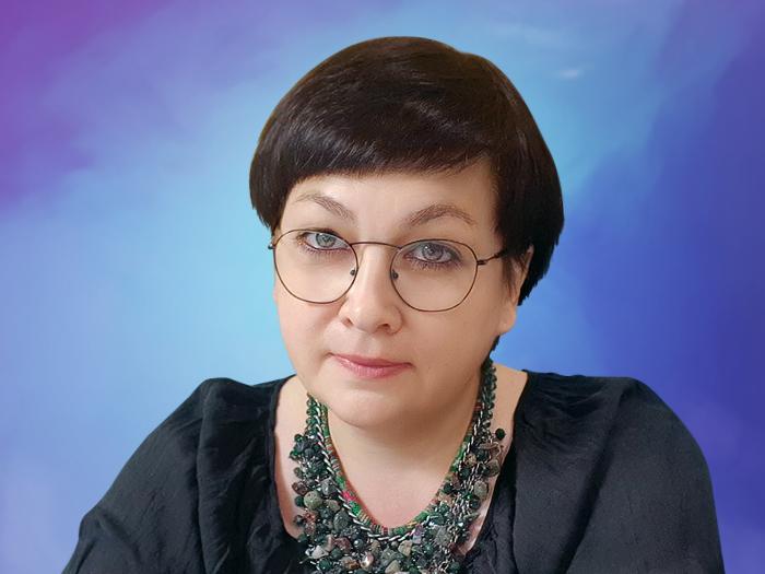 Кира Дьюар