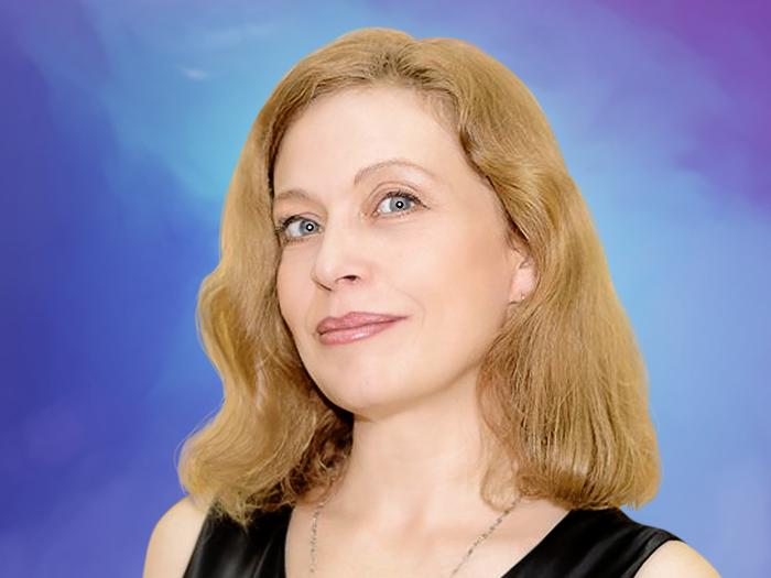 Алисия Майс