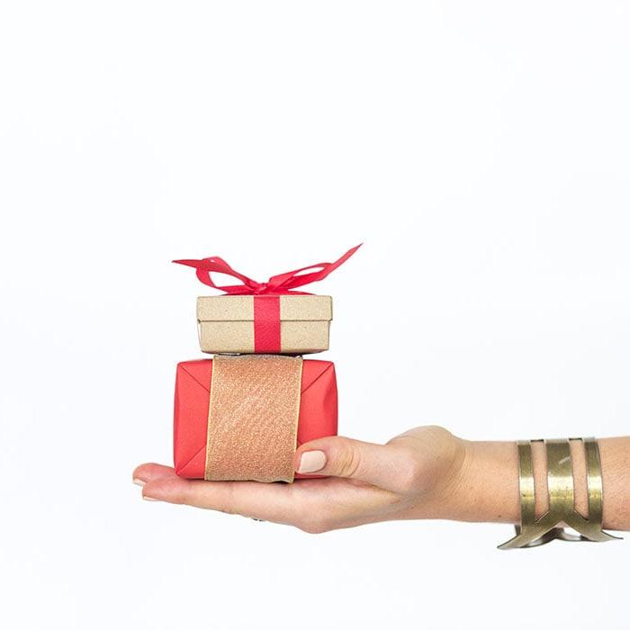 """Расклад """"Получу ли я подарок от любимого?"""""""